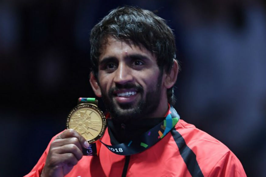 Mobile Phone, Voice Visual Features and Voice Visual Features for Bajrang Punia on Highway