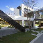 Modern building relating to the perfect relationship between external and internal