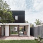 Bright and Sunny Clifton Hill House rehabilitated by the Office of Industrial Design