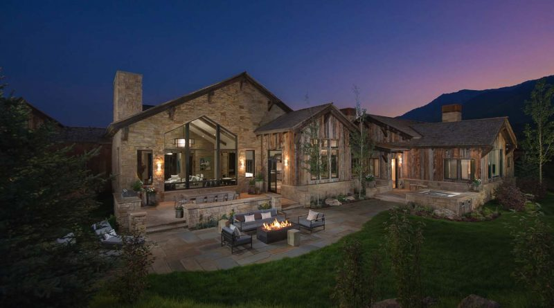 Wyoming Mountain Home created by KAM Designs, a perfect blend of modern and contemporary living.