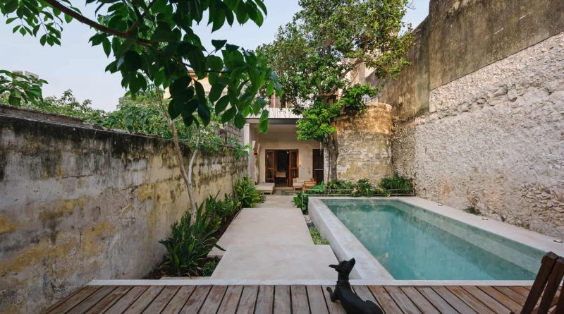 The historic home is transformed into a modern and rustic Deco House designed by Taller Mexicano de Arquitectura